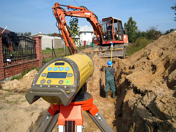 Topcon Over the Top Red Beam Utility Pipe Laser TP-L4B 57065